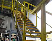 Assemblage van een constructie met profielen en GVK traptreden
